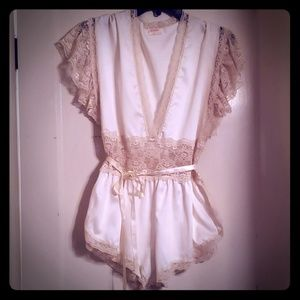 Vtg Lily of France Ivory Teddy Lace waisted Sz M